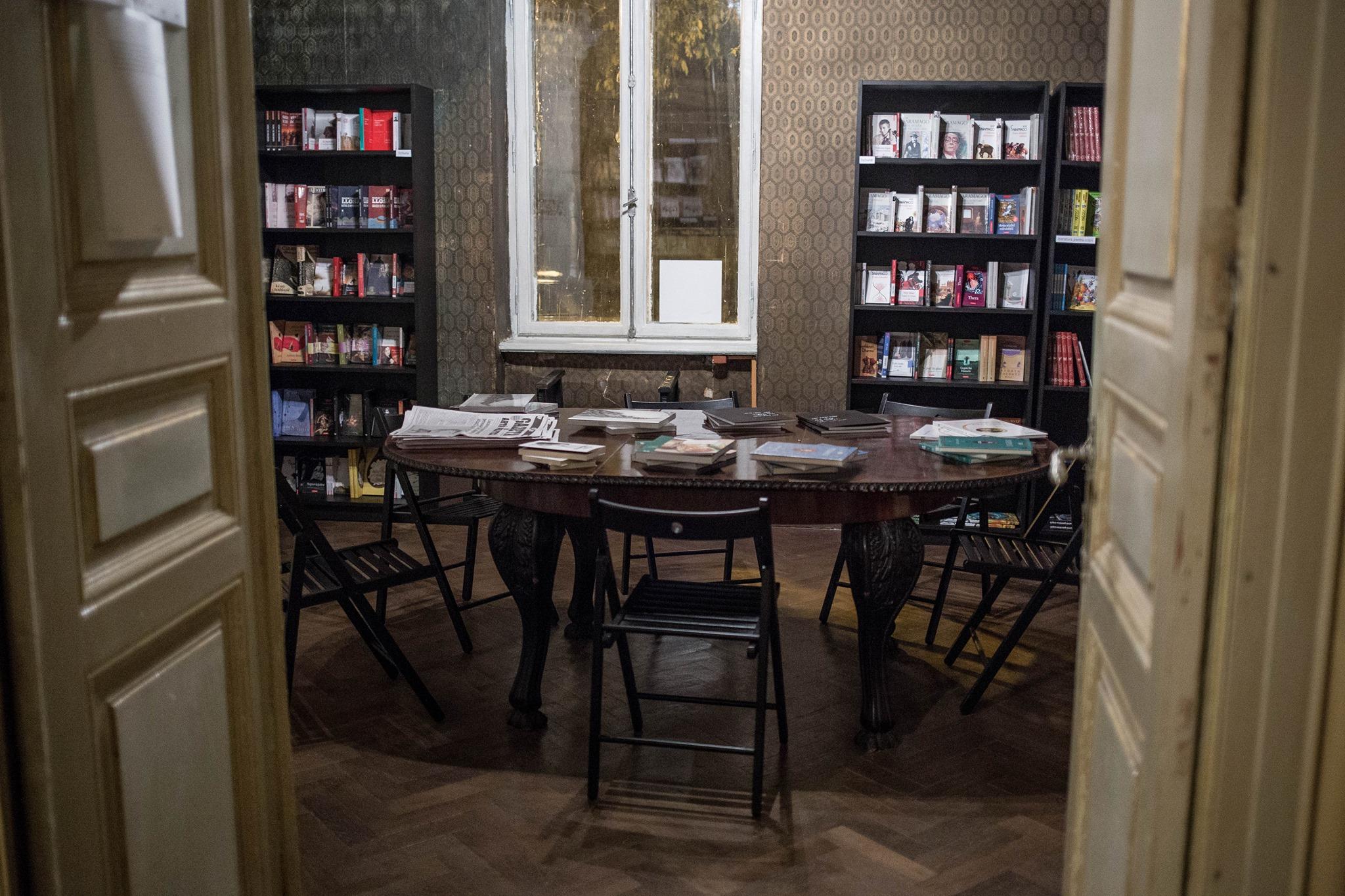 Vă invităm să ne inaugurăm editura și librăria Hecate!