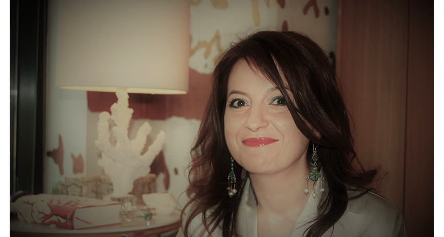 """Chestionar de cititor de cursă lungă – Ioana Bâldea Constantinescu: """"Am luat fiecare interviu cu un autor ca pe un cadou"""""""