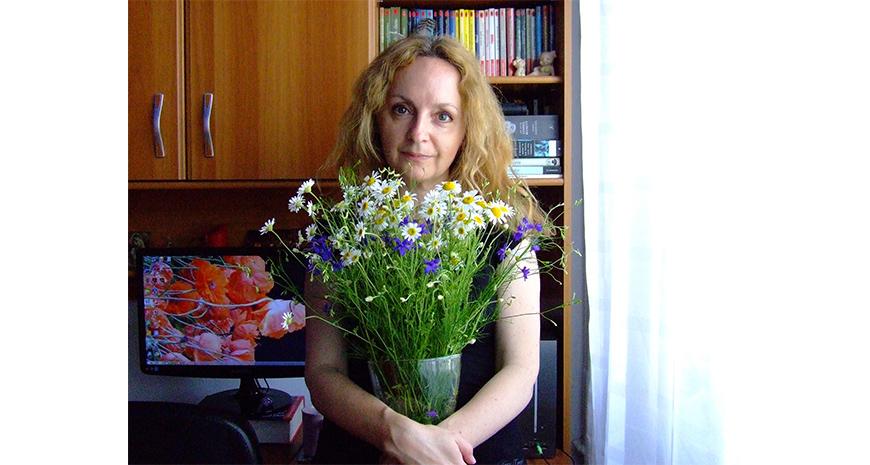 """Chestionar de cititor de cursă lungă – Veronica D. Niculescu: """"E ceva foarte personal treaba asta cu cititul. Nimic nu e mai prețios și mai durabil decât propriile descoperiri"""""""