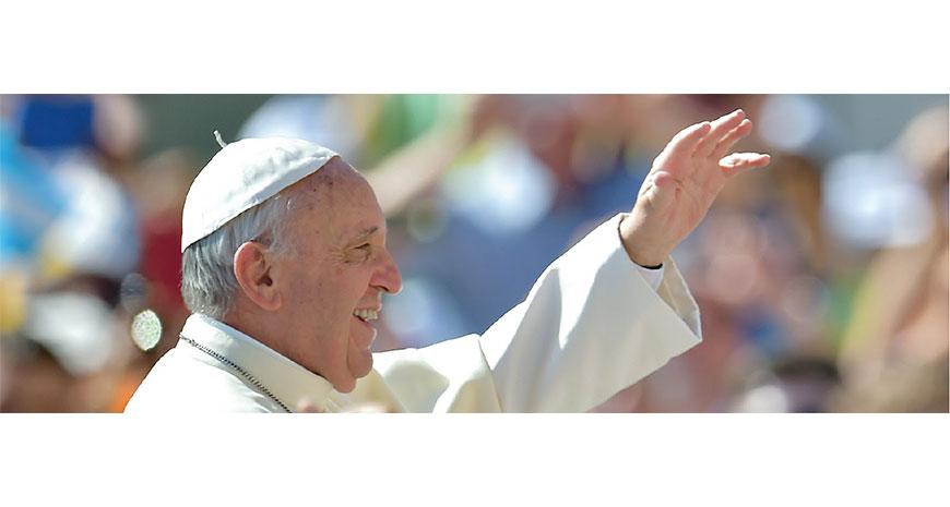 """""""În călătorie"""". Andrea Tornielli într-un interviu cu Papa Francisc"""